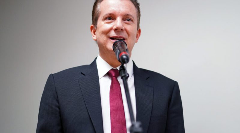 Russomanno procura um militar como vice para colar candidatura em Bolsonaro